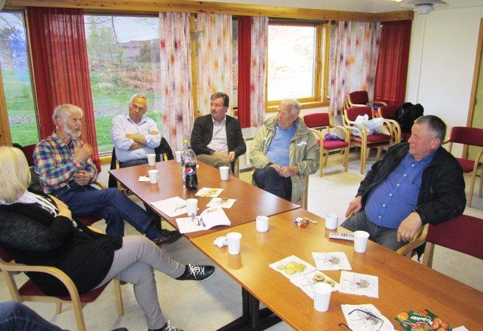 Strilen og nynorsken var i fokus då 10 personar var samla for å drøfte visjonen om strilaforskning.